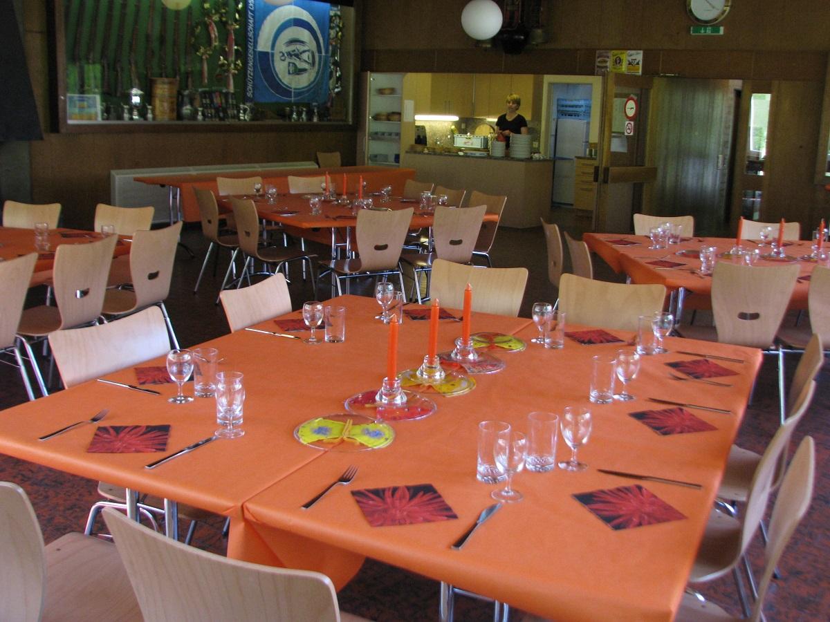 Tisch2